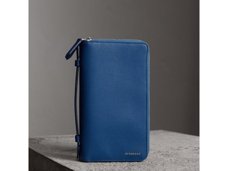 London Leather Travel Wallet in Deep Blue | Burberry Singapore - cell image 4
