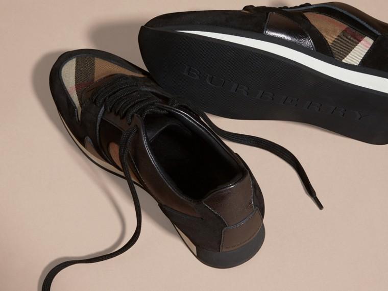 House check/smoke métallisé Field Sneakers en tissu à motif House check, cuir velours et cuir - cell image 4