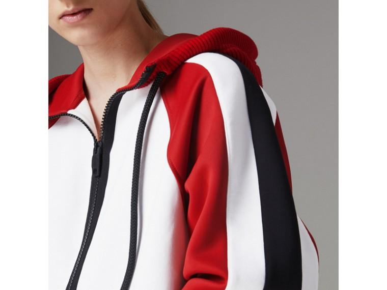 Jaqueta de malha de algodão com capuz e detalhe de listras (Branco) - Mulheres | Burberry - cell image 1
