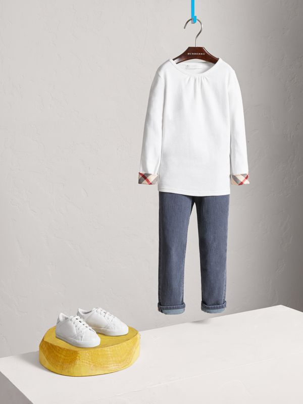Check Cuff Cotton T-Shirt in White - Girl | Burberry - cell image 2