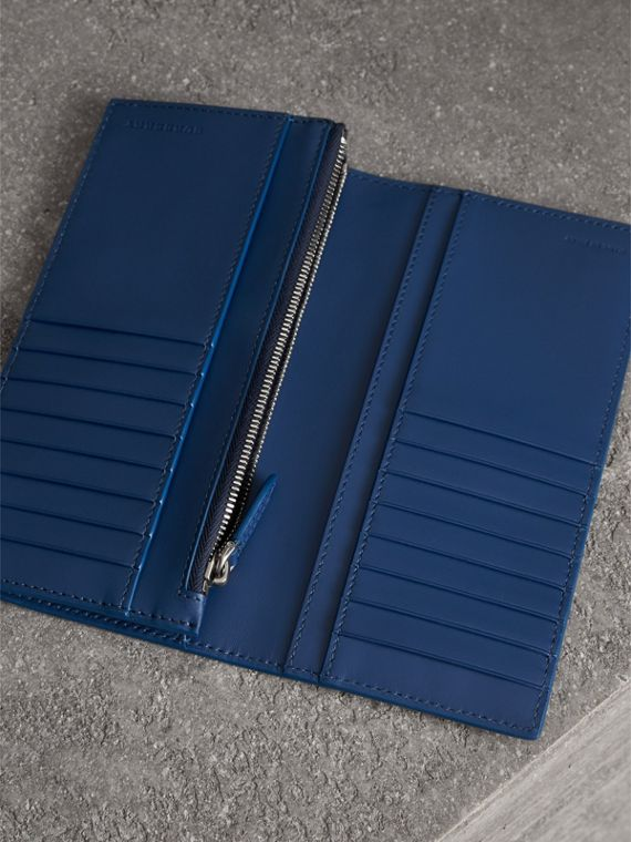 Grainy Leather Continental Wallet in Bright Ultramarine - Men | Burberry - cell image 3