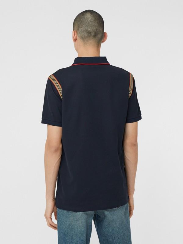 アイコンストライプトリム モノグラムモチーフ コットン ポロシャツ (ネイビー) - メンズ | バーバリー - cell image 2