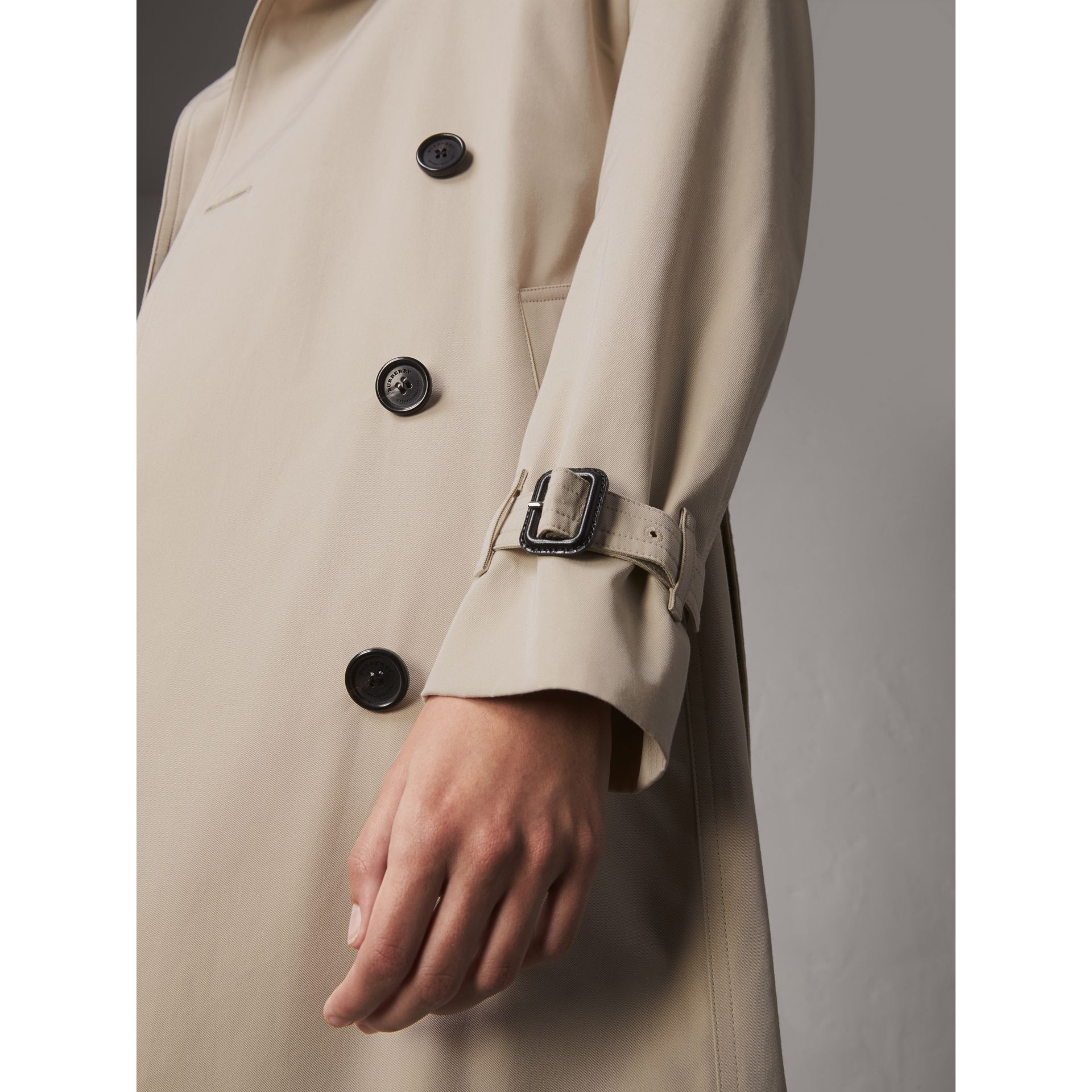 The Kensington – Extra-long Trench Coat in Stone - Women | Burberry - gallery image 5
