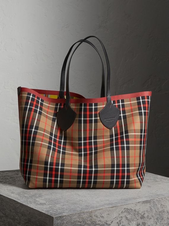 The Giant Reversible Tote in Tartan Cotton in Caramel/flax Yellow