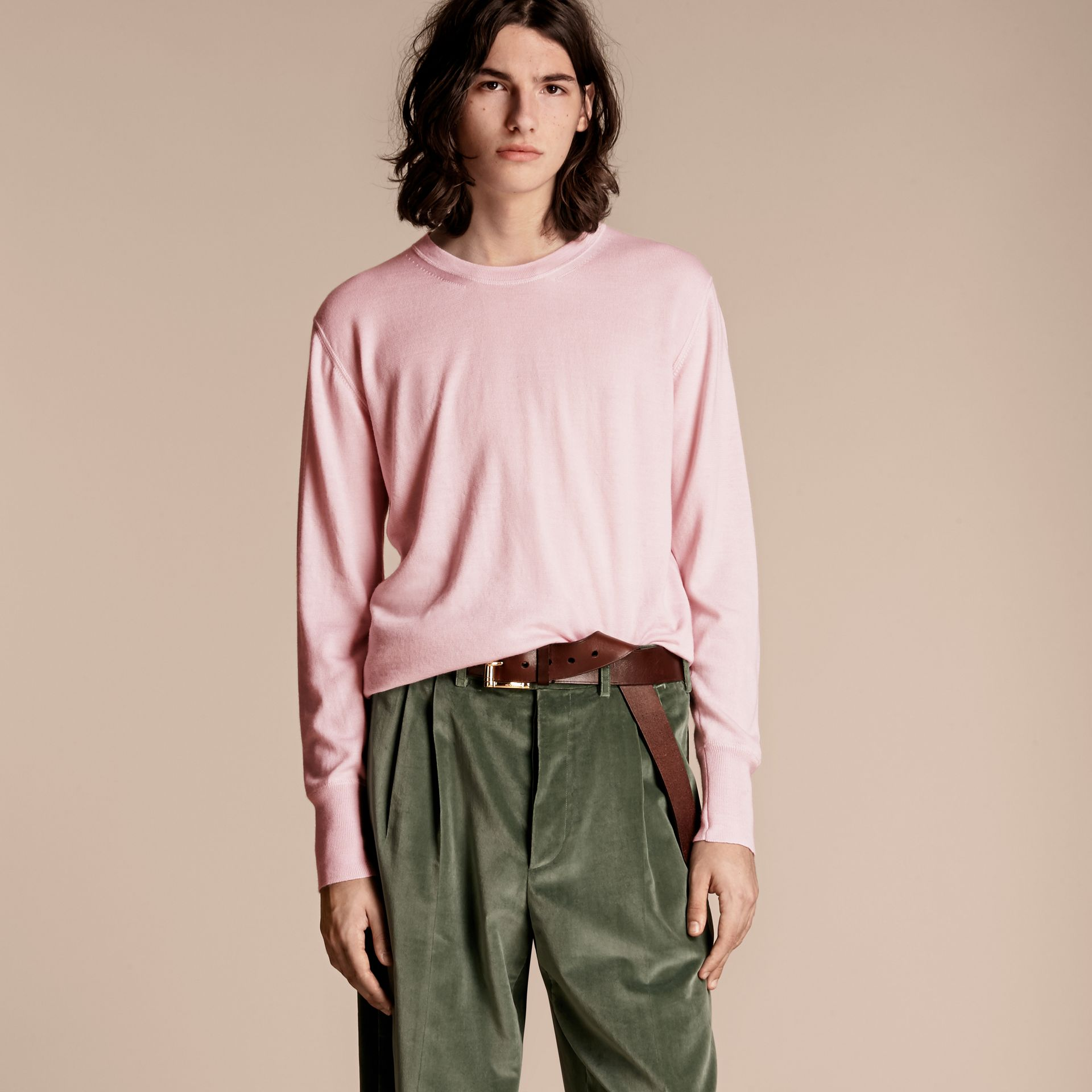 Crew Neck Cashmere Sweater in Light Pink - gallery image 6