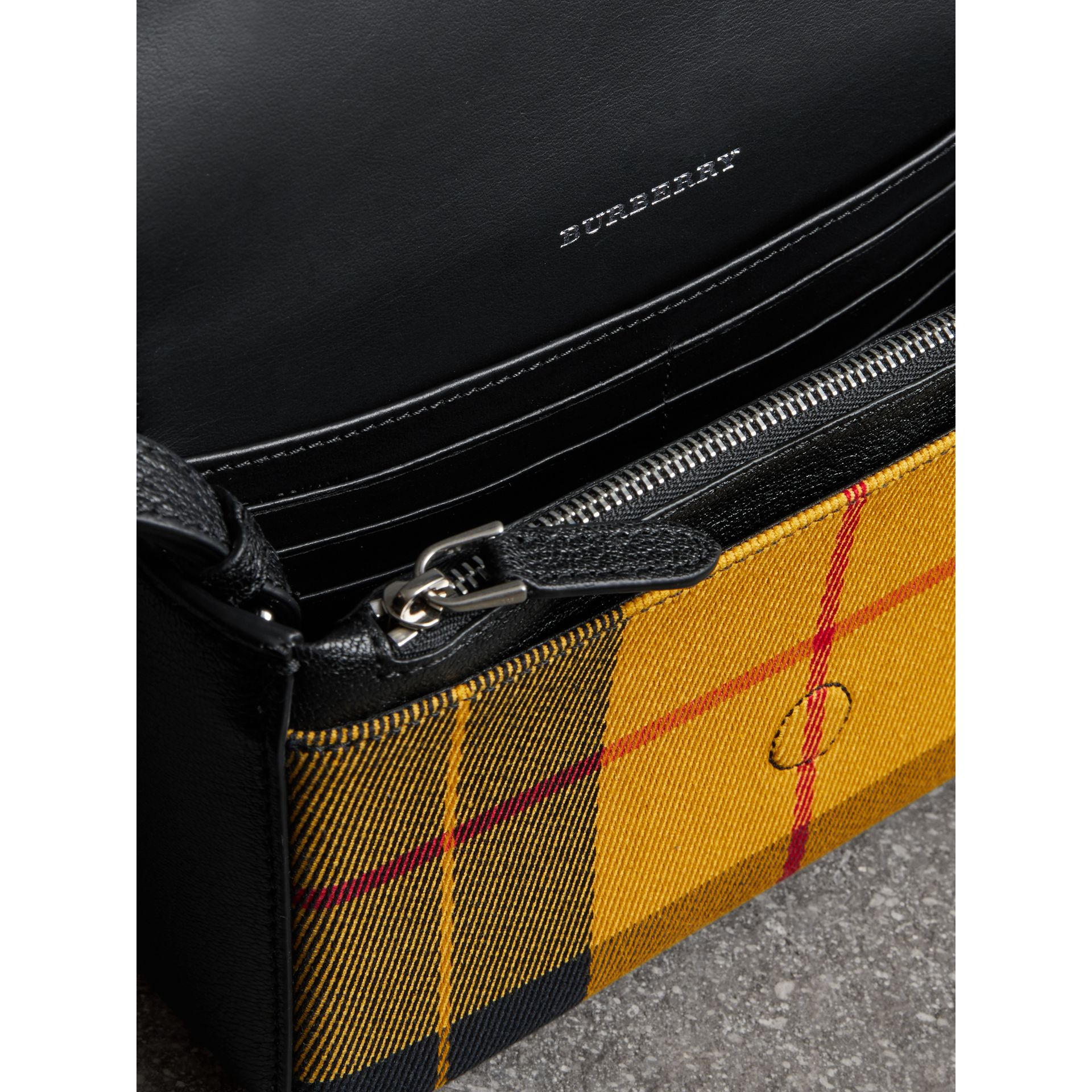 Vintage Check and Leather Wallet with Detachable Strap in Antique Yellow/black - Women | Burberry - gallery image 5
