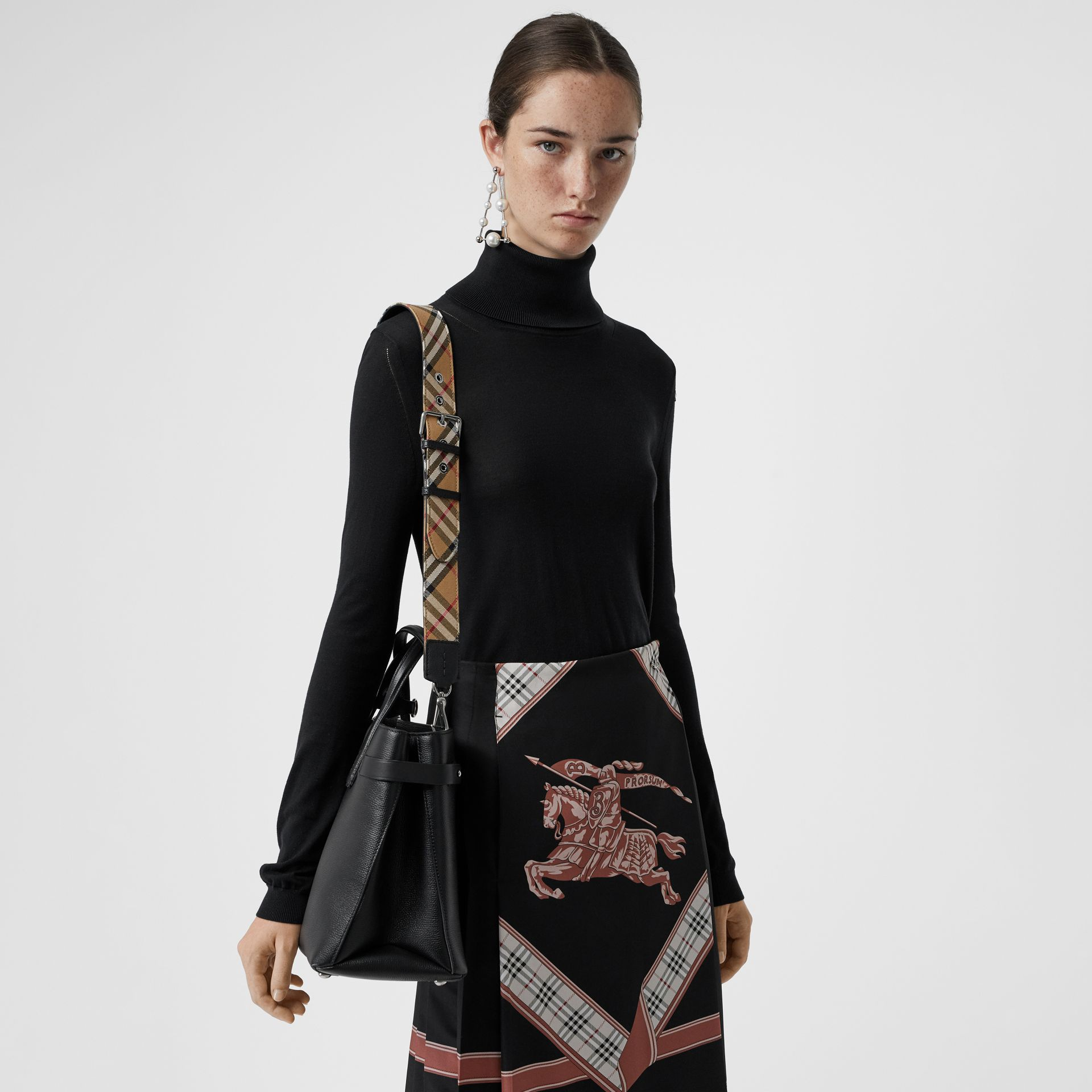 The Medium Banner in Leather and Vintage Check in Black - Women | Burberry United States - gallery image 3
