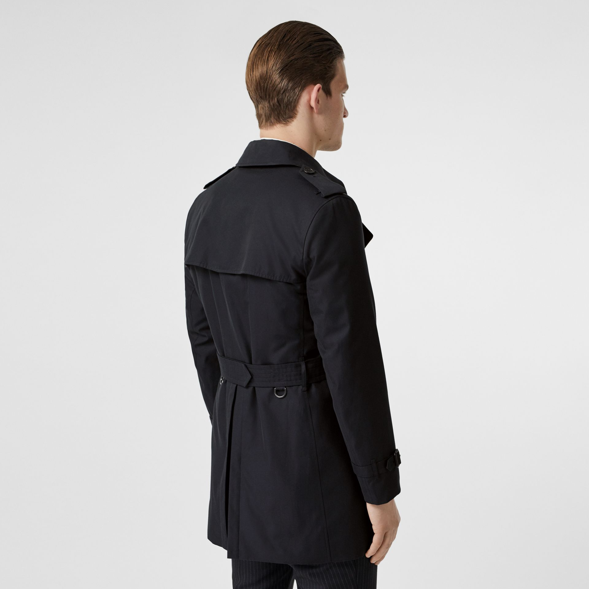 The Short Wimbledon Trench Coat in Midnight Navy - Men | Burberry - gallery image 6