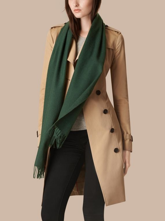 Dark forest green The Classic Cashmere Scarf Dark Forest Green - cell image 2