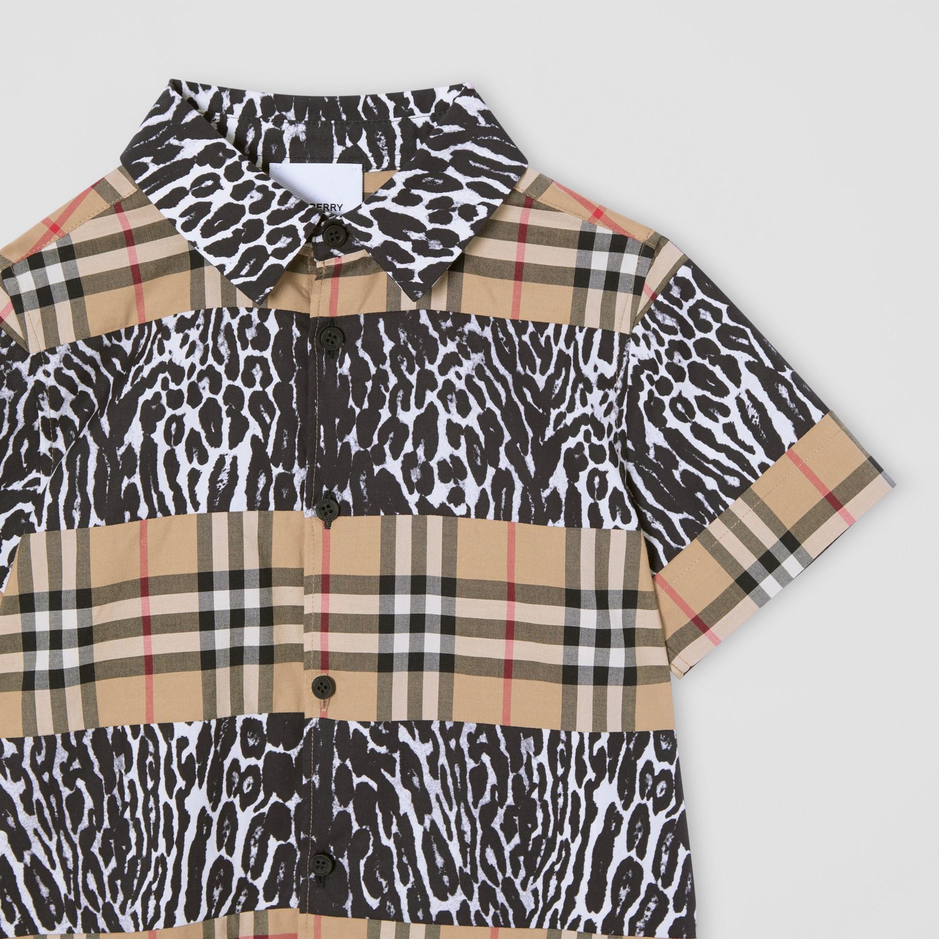 Camicia a maniche corte con motivo Vintage check e stampa leopardata (Beige Archivio) | Burberry - immagine della galleria 4