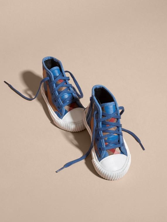 Bleu lupin Sneakers montantes à motif check et imprimé à cœurs, avec détails en cuir Bleu Lupin - cell image 2