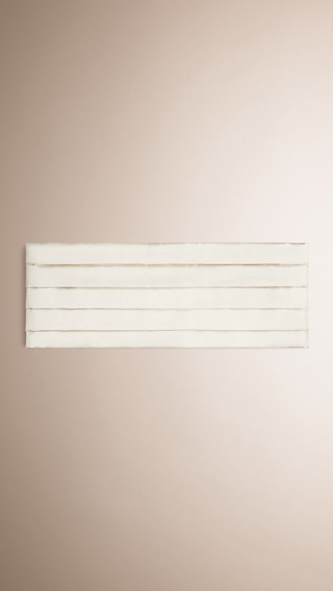 White Pleated Silk Cummerbund - Image 1