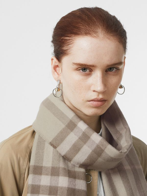 The Classic Check Cashmere Scarf in Green | Burberry - cell image 2