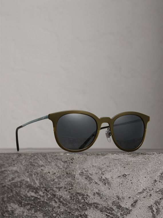 Round Frame Sunglasses in Dark Olive