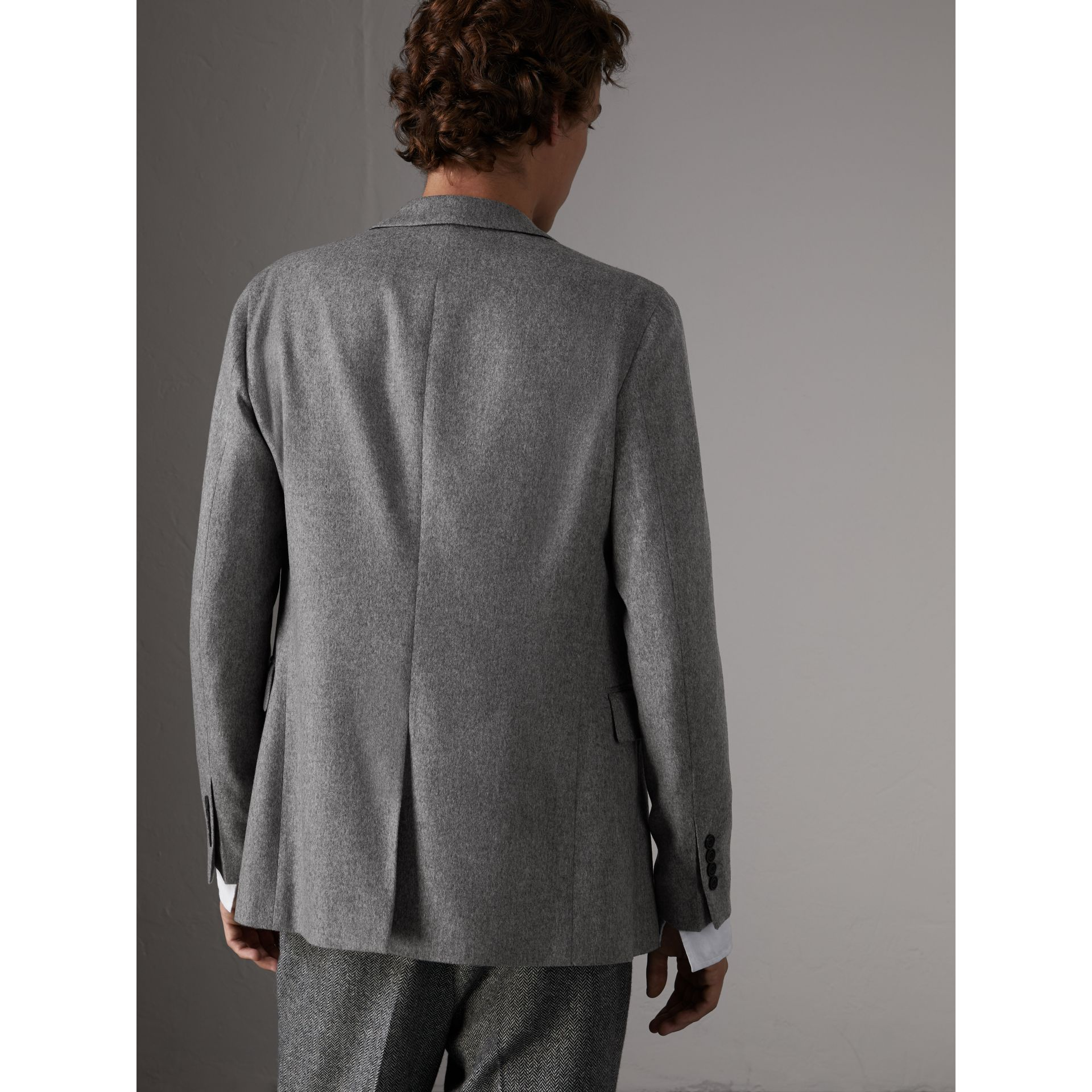 Soho Fit Cashmere Tailored Jacket in Mid Grey Melange - Men | Burberry Australia - gallery image 2