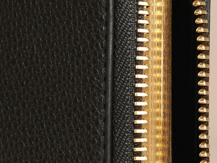 Noir Petit calepin zippé en dentelle de cuir découpée au laser - cell image 1