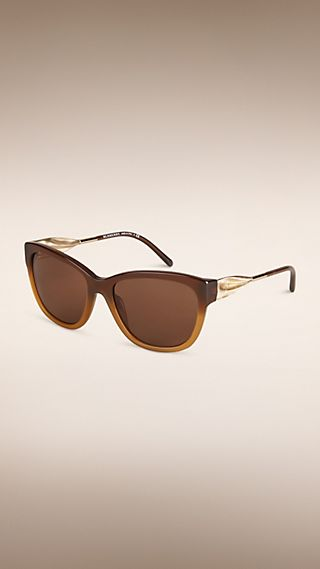 Gafas de sol con montura de ojo de gato de la colección Gabardina