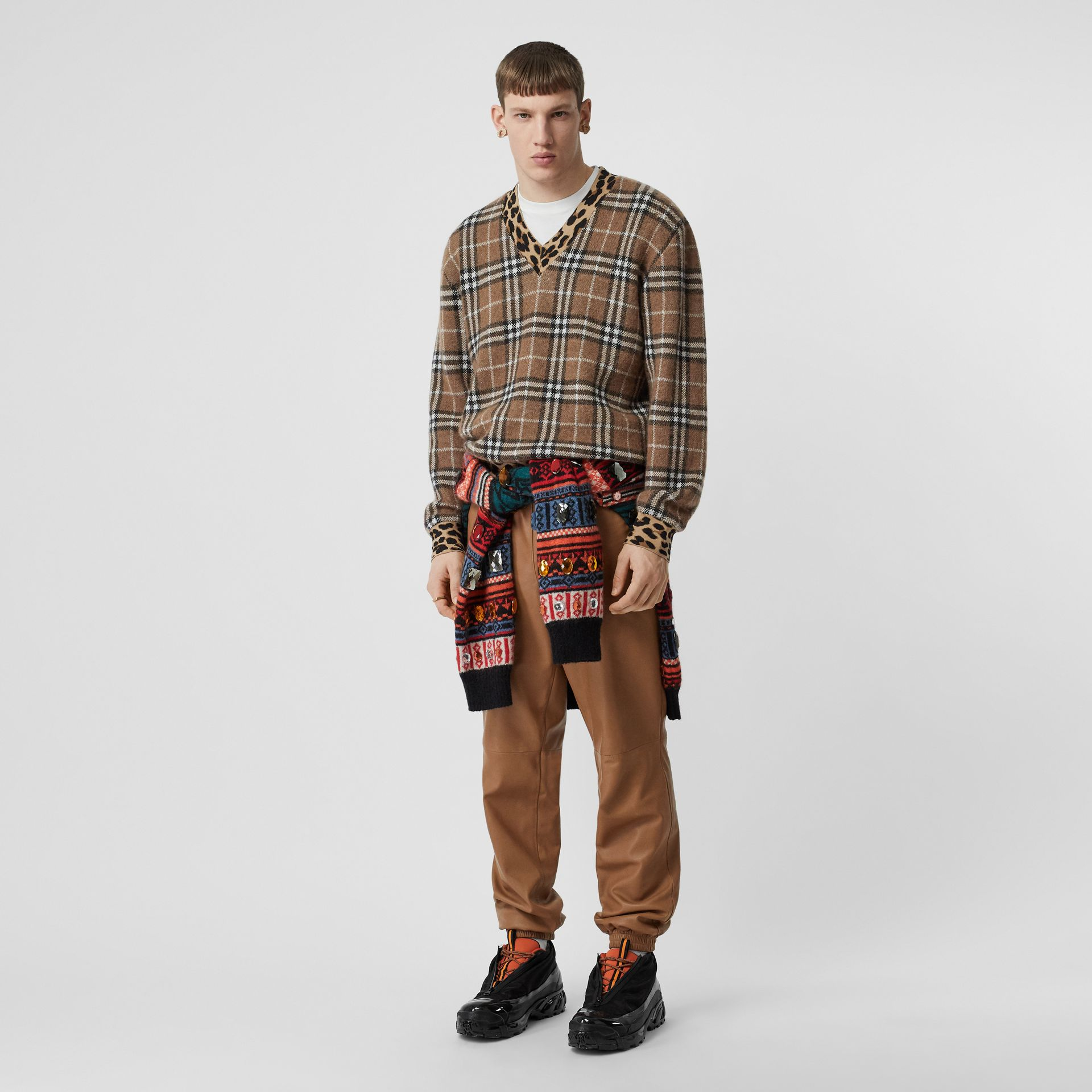 Leopard Detail Vintage Check Cashmere Blend Sweater in Warm Walnut - Men | Burberry - gallery image 0