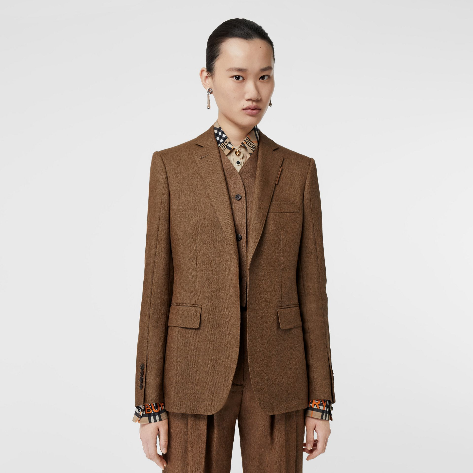 Vest Detail Technical Linen Tailored Jacket in Flaxseed - Women | Burberry - gallery image 5