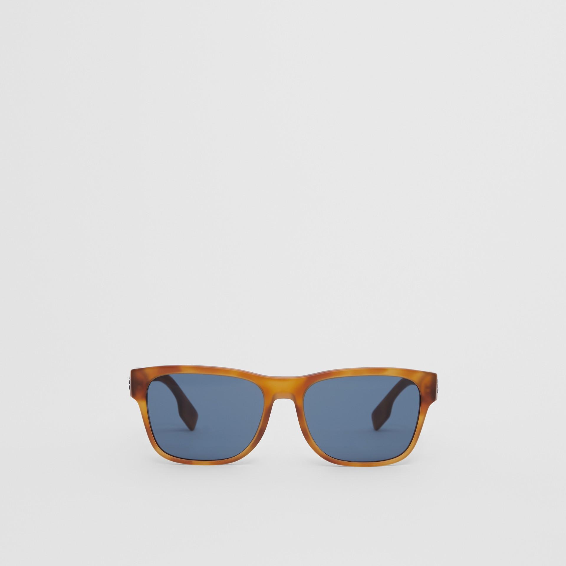Óculos de sol com armação quadrada e logotipo (Âmbar  Efeito Casco  Tartaruga) - Homens | Burberry - galeria de imagens 0