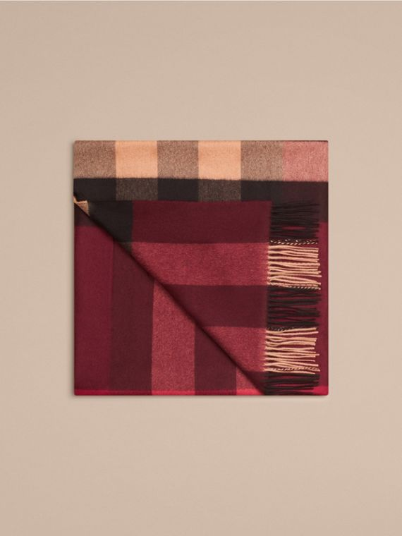 Check Cashmere Blanket in Claret | Burberry United Kingdom - cell image 3