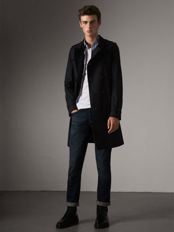 The Chelsea – Long Heritage Trench Coat in Navy - Men | Burberry