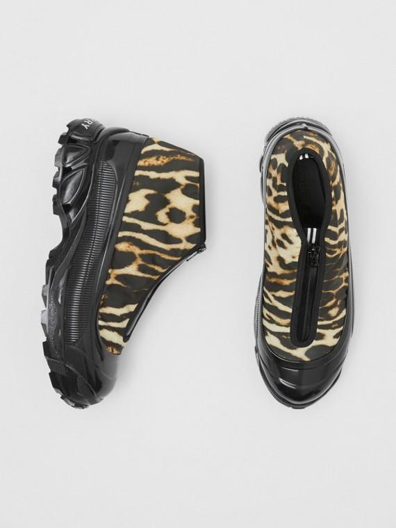 Sneakers Arthur en nylon et cuir velours à imprimé léopard (Camel)