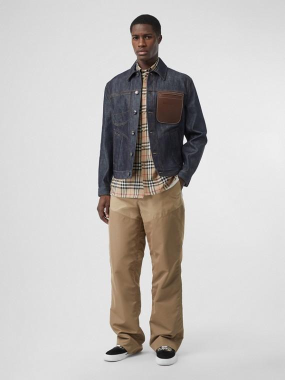 Veste en denim selvedge japonais avec cuir (Bleu Indigo Moyen)