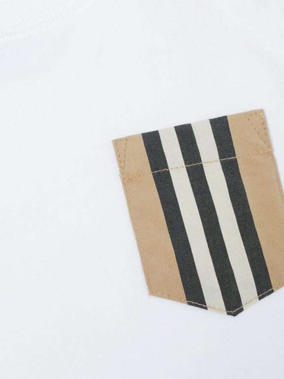 Icon Stripe Pocket Cotton T-shirt in White/archive Beige - Children | Burberry United Kingdom - cell image 1