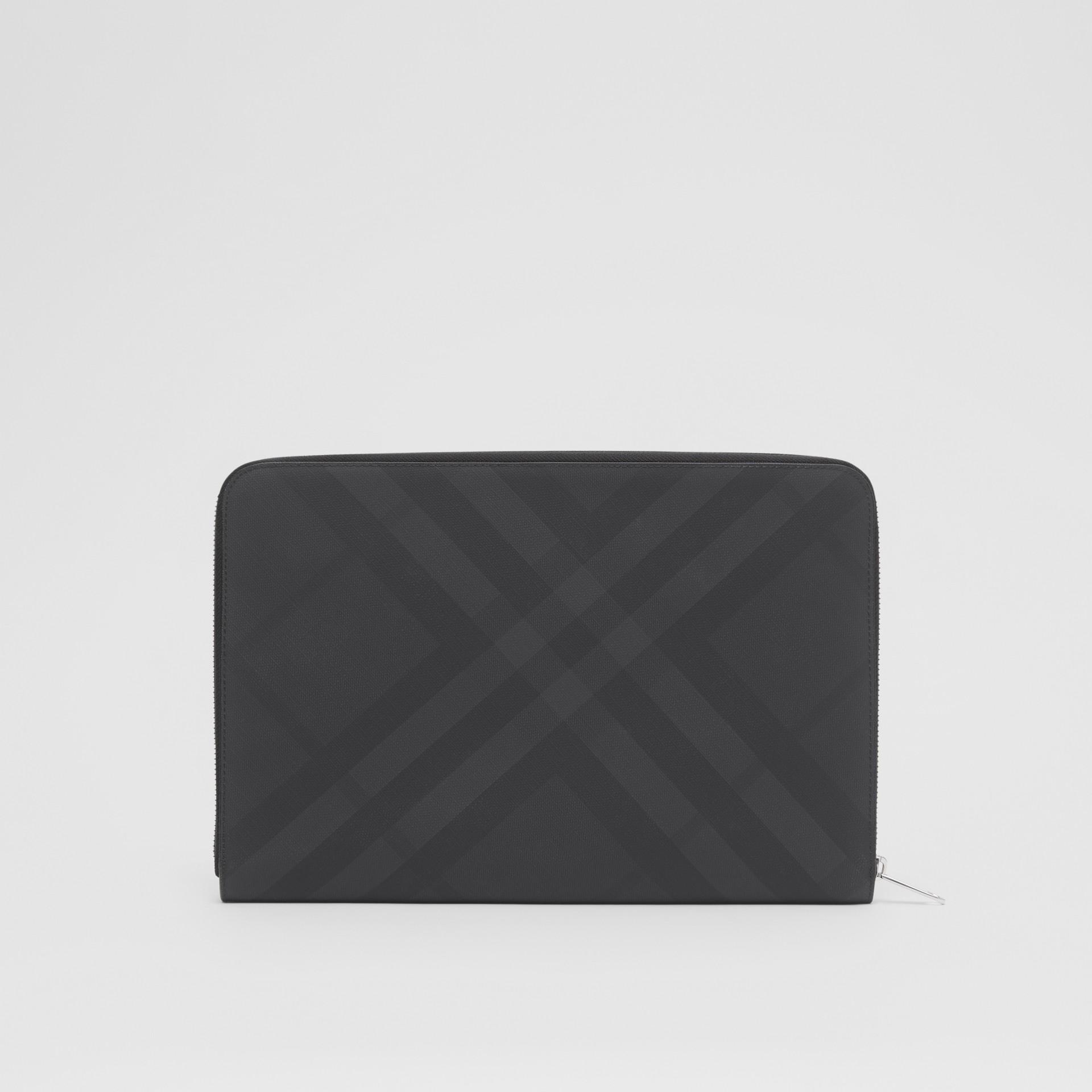 Pochette zippée en tissu London check et cuir (Anthracite Sombre) - Homme | Burberry - photo de la galerie 6