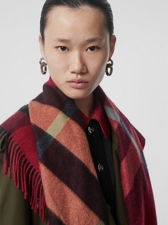 The Burberry Bandana in Check Cashmere in Damson Pink