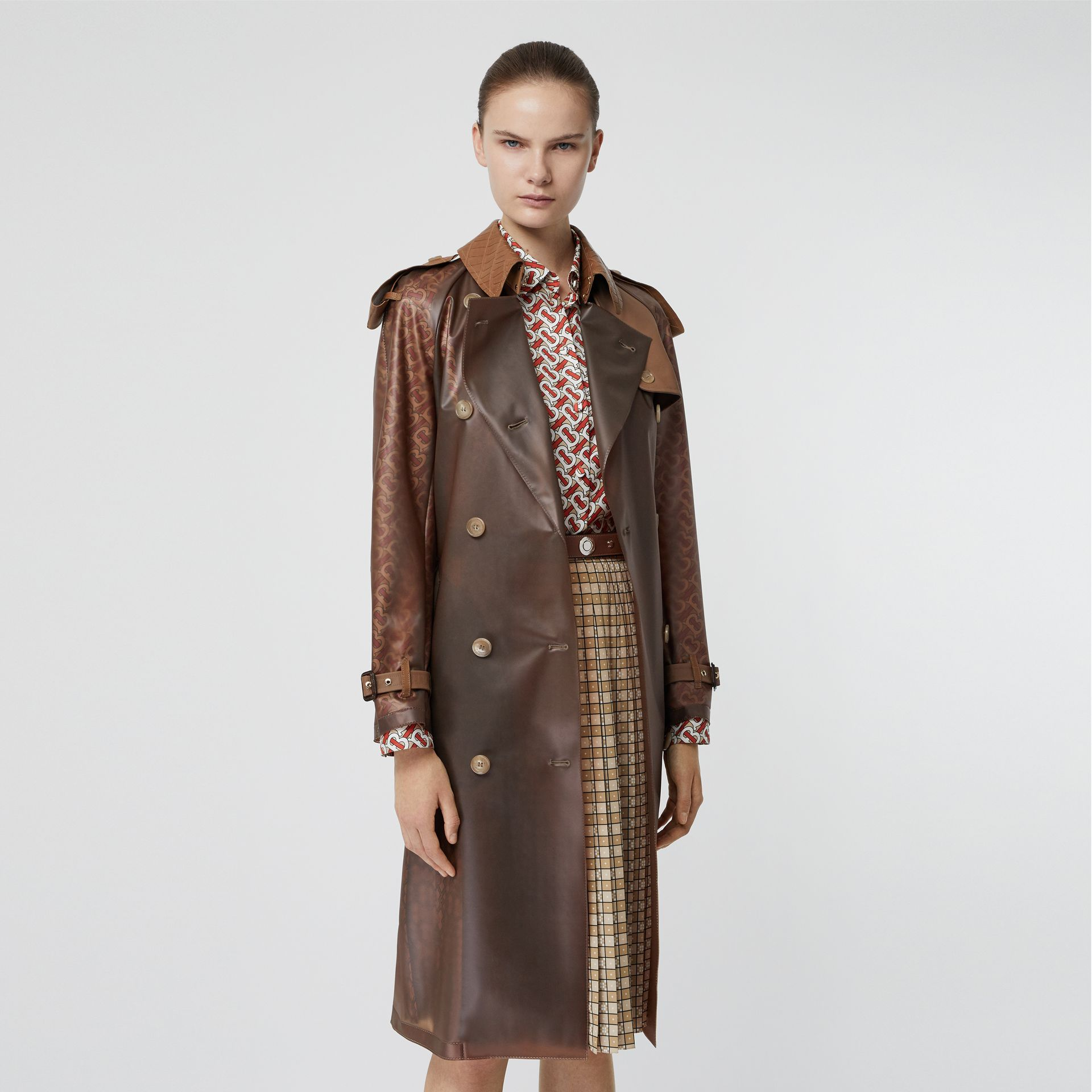 Leather Detail Showerproof Trench Coat in Flaxseed - Women | Burberry - gallery image 6