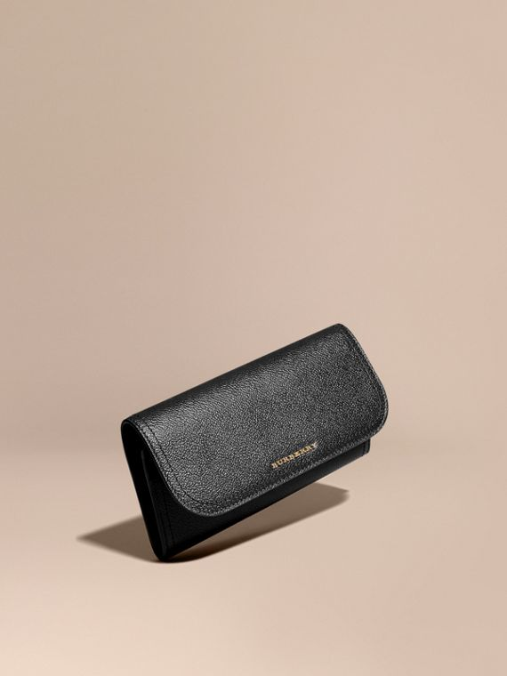 Grainy Leather Slim Continental Wallet in Black