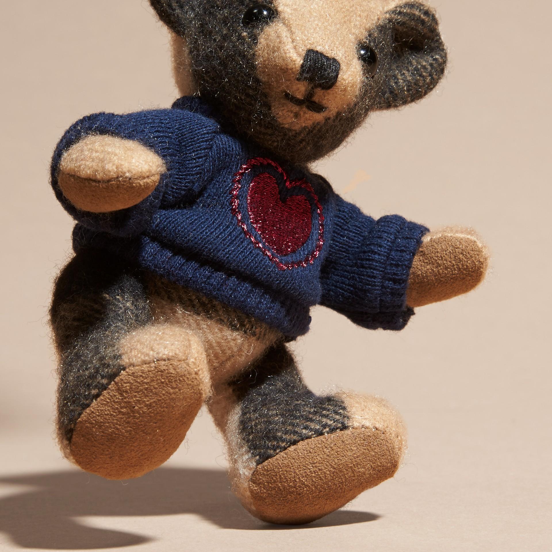Chameau Bijou porte-clés Thomas Bear en cachemire à motif check - photo de la galerie 4