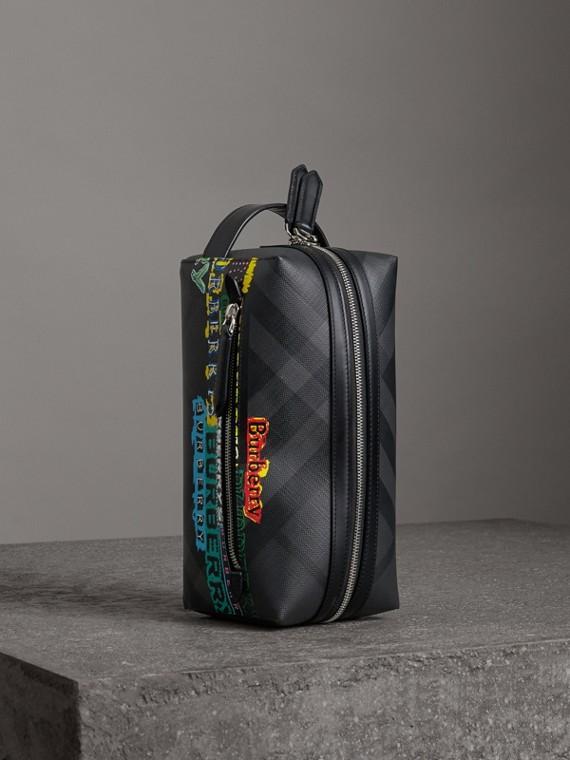 Etui aus London Check-Gewebe und Leder mit Logo (Schwarz)