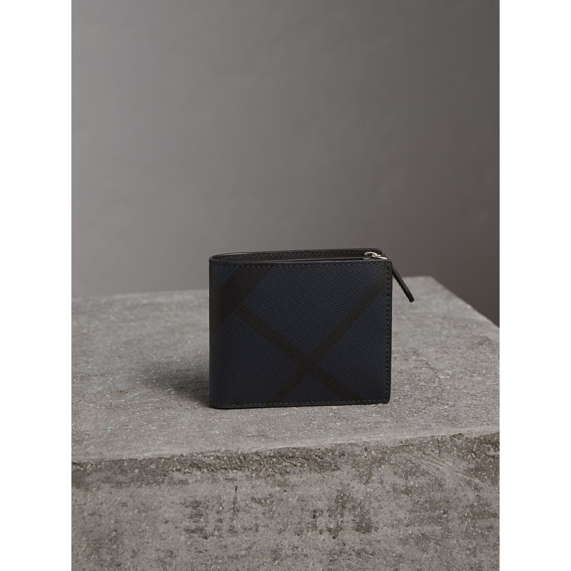 London Check International Bifold ID Coin Wallet in Navy/black - Men | Burberry - gallery image 5