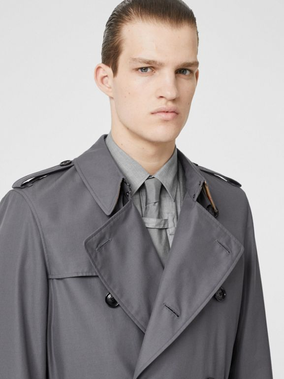 The Long Chelsea Heritage Trench Coat in Mid Grey - Men | Burberry United States - cell image 1