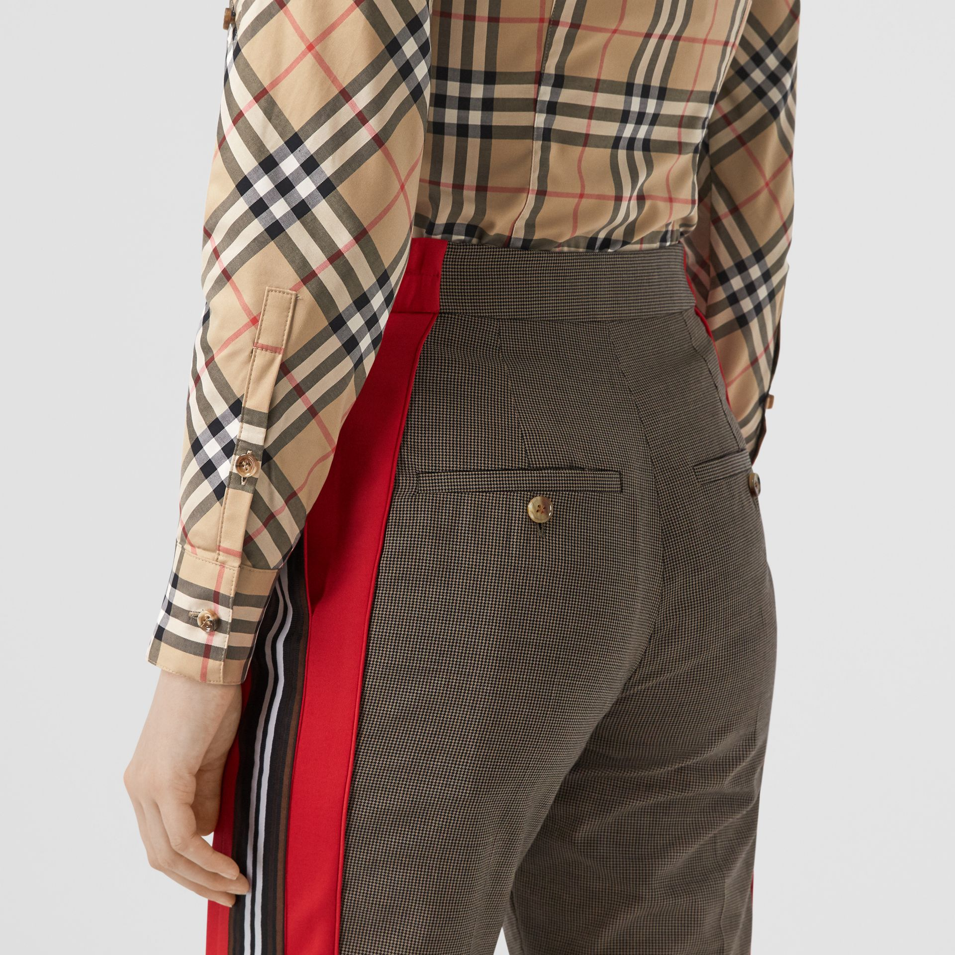 Vintage Check Stretch Cotton Twill Shirt in Archive Beige - Women | Burberry - gallery image 1