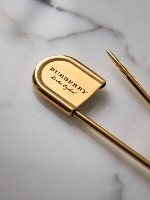 Brass Oversized Kilt Pin in Vintage Dark | Burberry Hong Kong - cell image 1