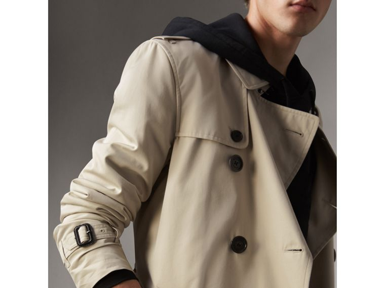 The Kensington – Long Trench Coat in Stone - Men | Burberry Singapore - cell image 4
