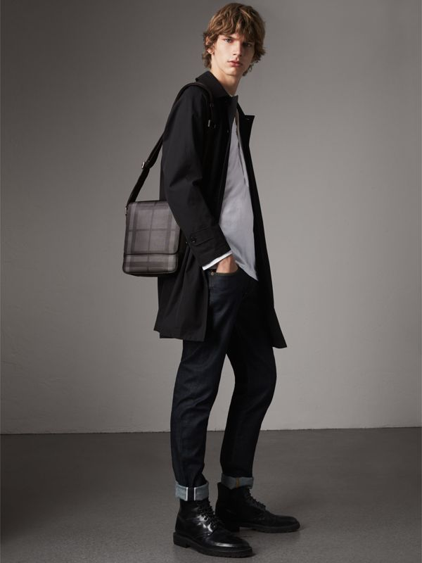 Sac à bandoulière avec motif London check (Anthracite/noir) - Homme | Burberry - cell image 2