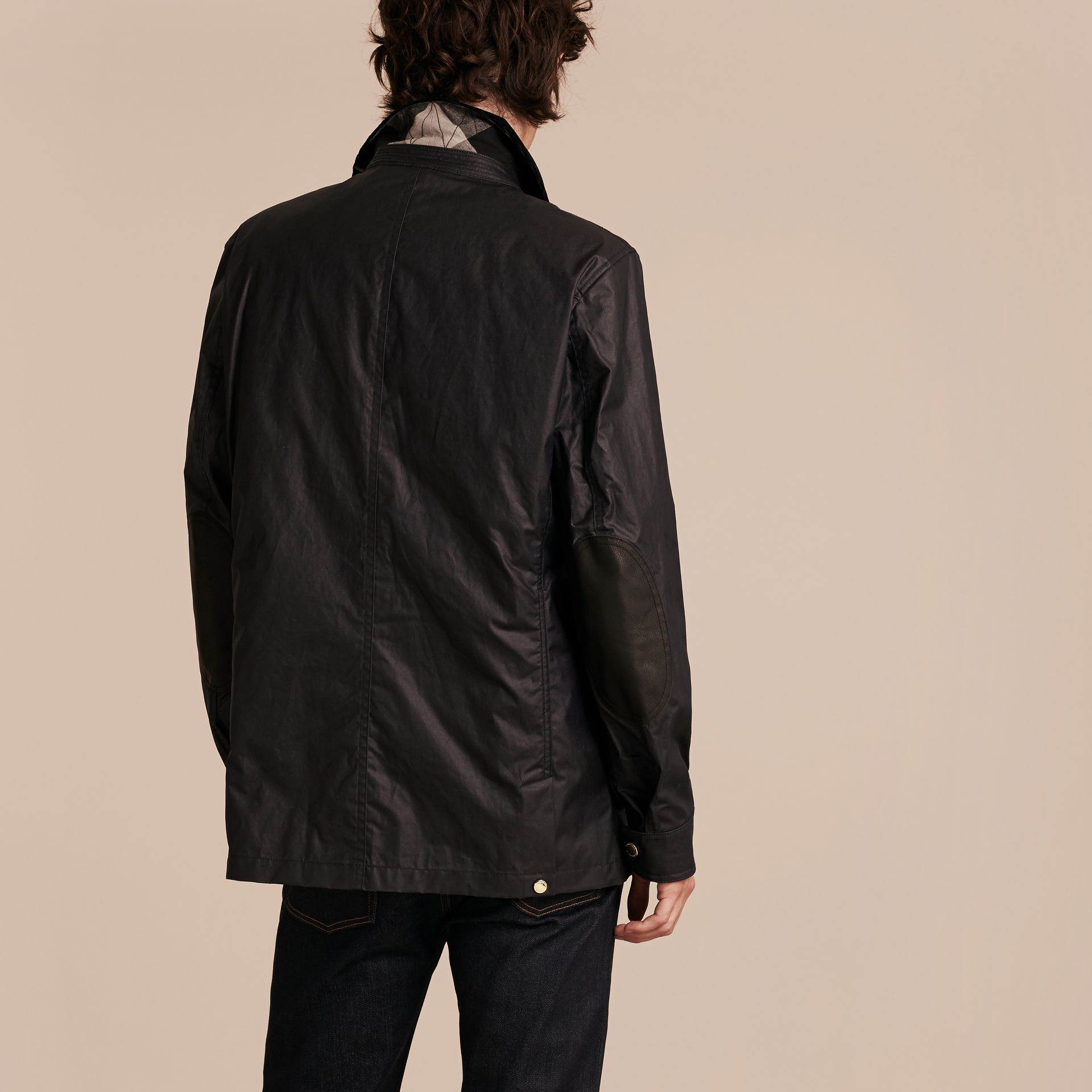 Dark navy Waxed Cotton Linen Jacket with Detachable Warmer - gallery image 3