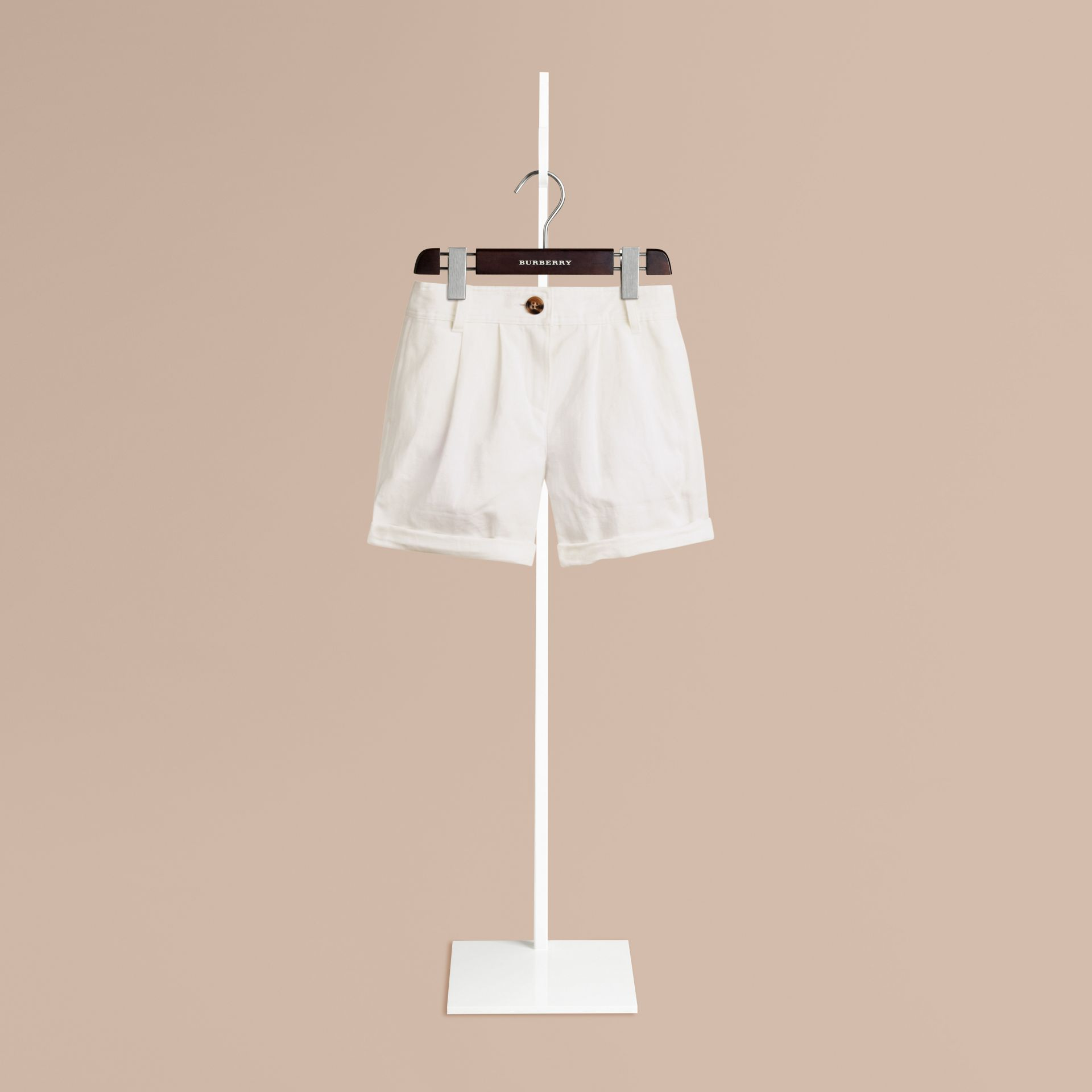 White Pleated Cotton Linen Chino Shorts - gallery image 1