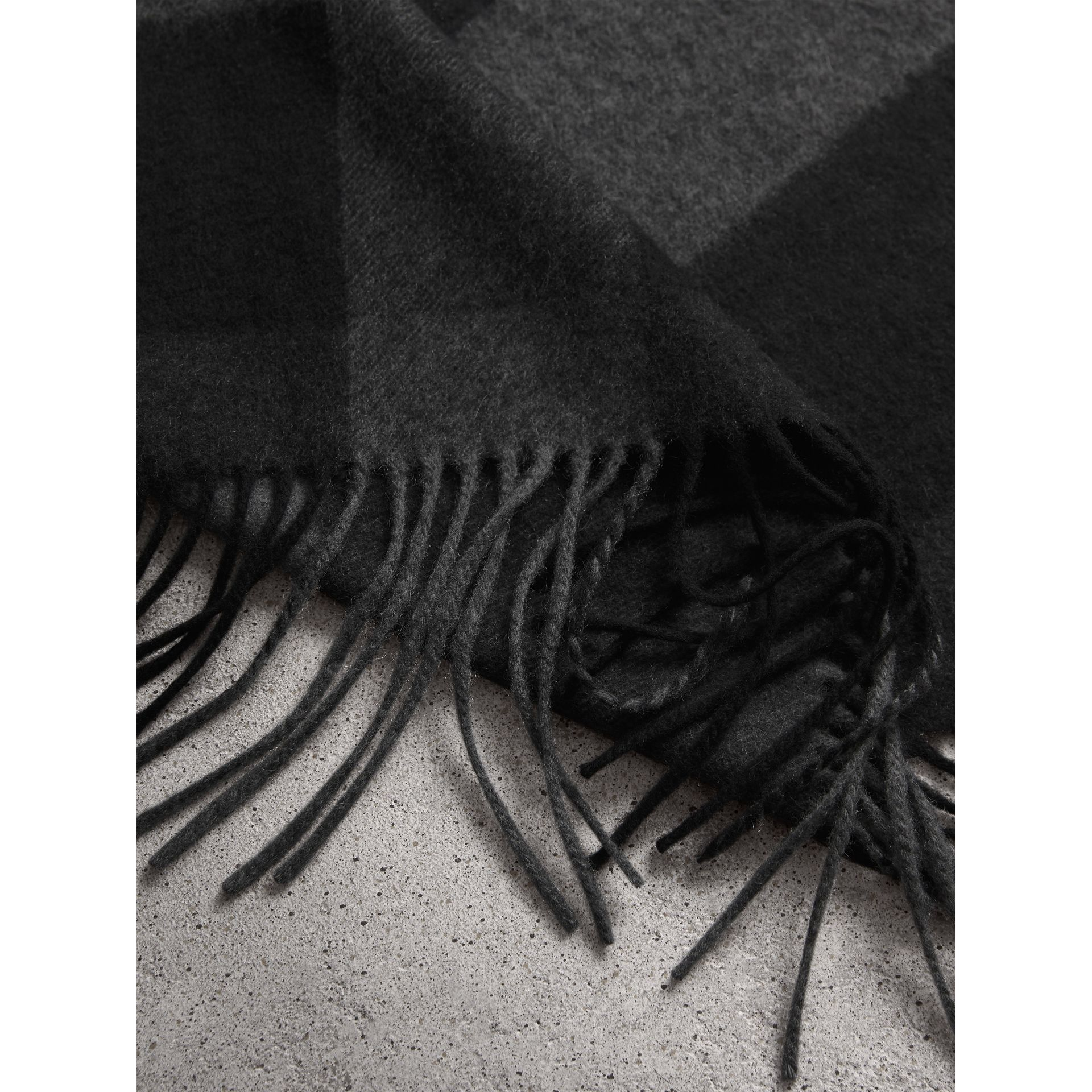 Oversize Check Cashmere Scarf in Charcoal | Burberry - gallery image 4