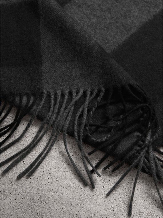 Oversize Check Cashmere Scarf in Charcoal | Burberry - cell image 3