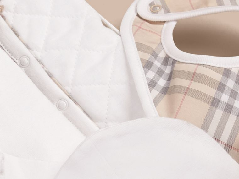 Cotton Four-piece Baby Gift Set - Girl | Burberry - cell image 1