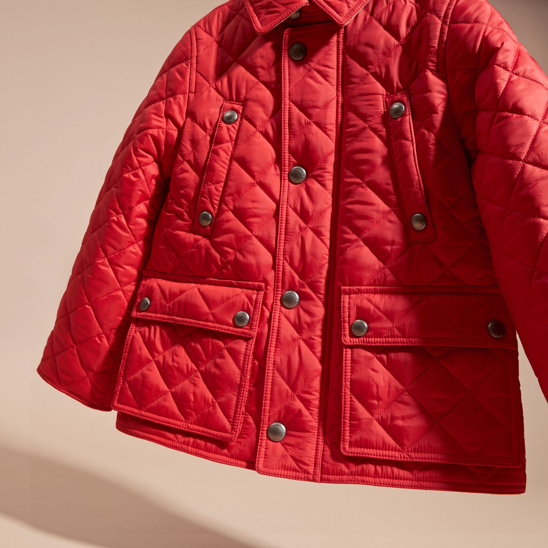Detachable Hood Lightweight Quilted Jacket in Bright Cherry Red - gallery image 3