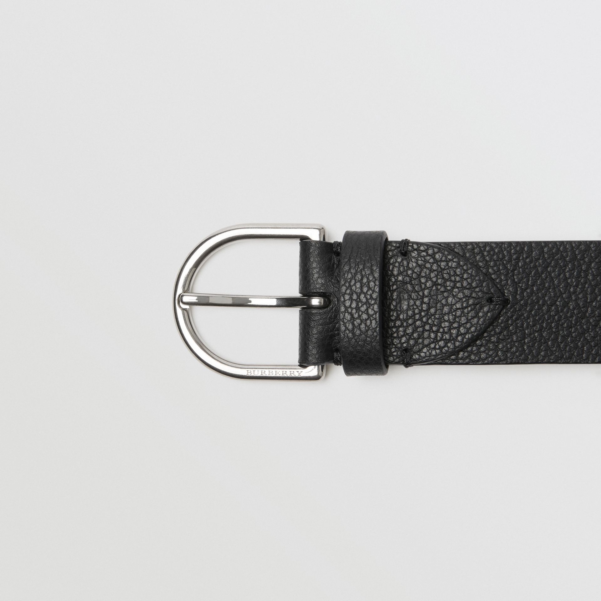 D-shaped Buckle Grainy Leather Belt in Black - Men | Burberry Canada - gallery image 1
