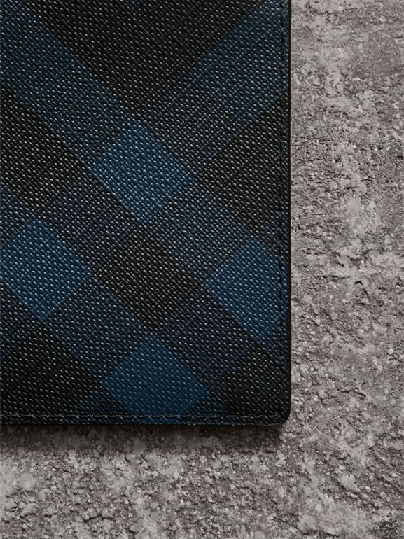 London Check ID Wallet in Navy/black - Men | Burberry - cell image 1