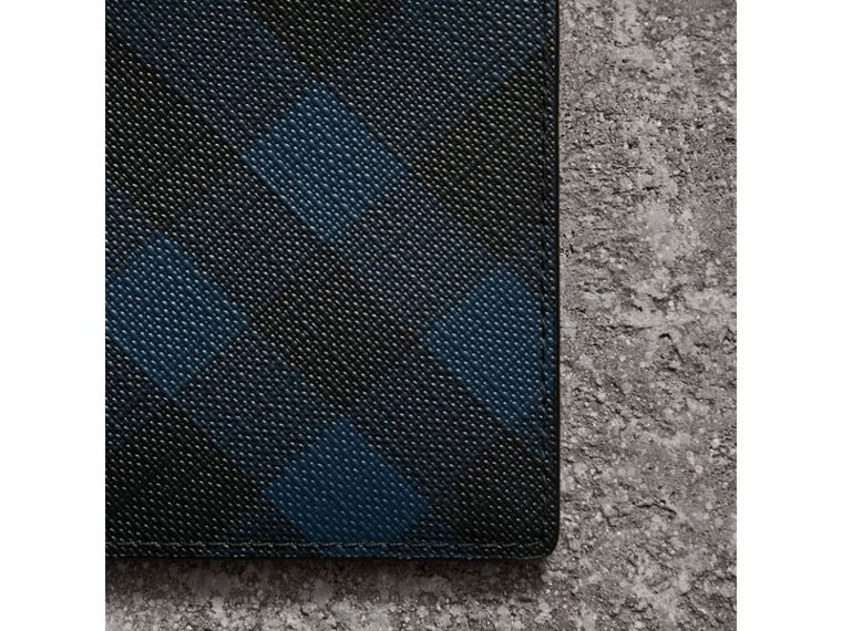 London Check ID Wallet in Navy/black - Men | Burberry United Kingdom - cell image 1